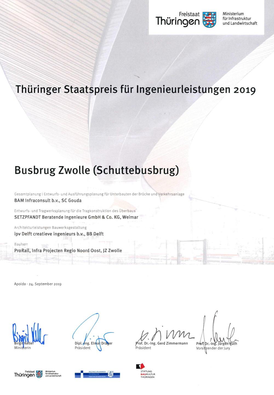 Neubau einer Straßenbrücke über den Bahnhof in Zwolle (NL) - Urkunde Staatspreis