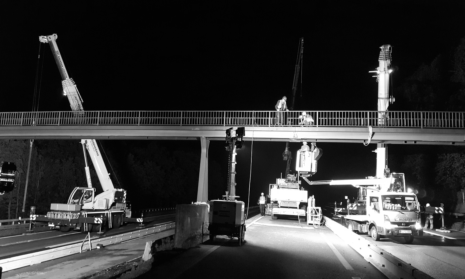 Demontage - A 5 Instandsetzung ÜF Gehwegbrücke bei Ockstadt und ÜF Gehwegbrücke bei Ober-Rosbach