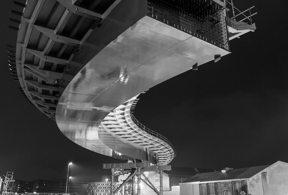 Neubau einer Straßenbrücke über den Bahnhof in Zwolle (NL)