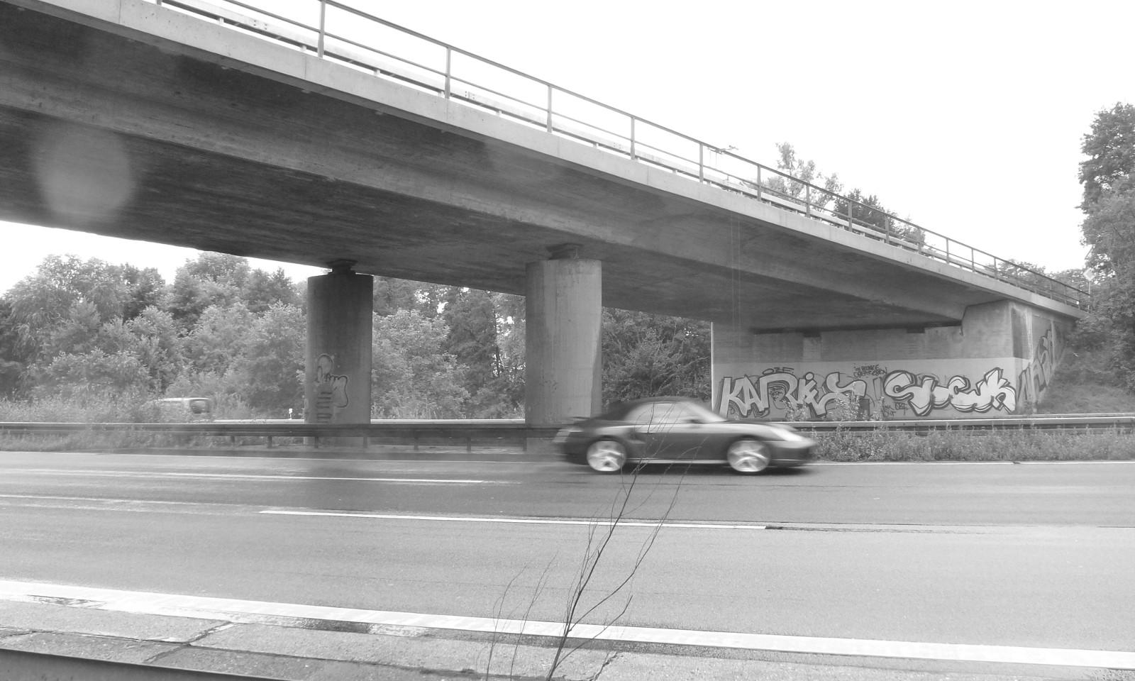 A 3 Wiesbadener Kreuz ÜF L 3039 und UF Gemeindestraße bei Breckenheim; Lärmschutzwand bei Wallau