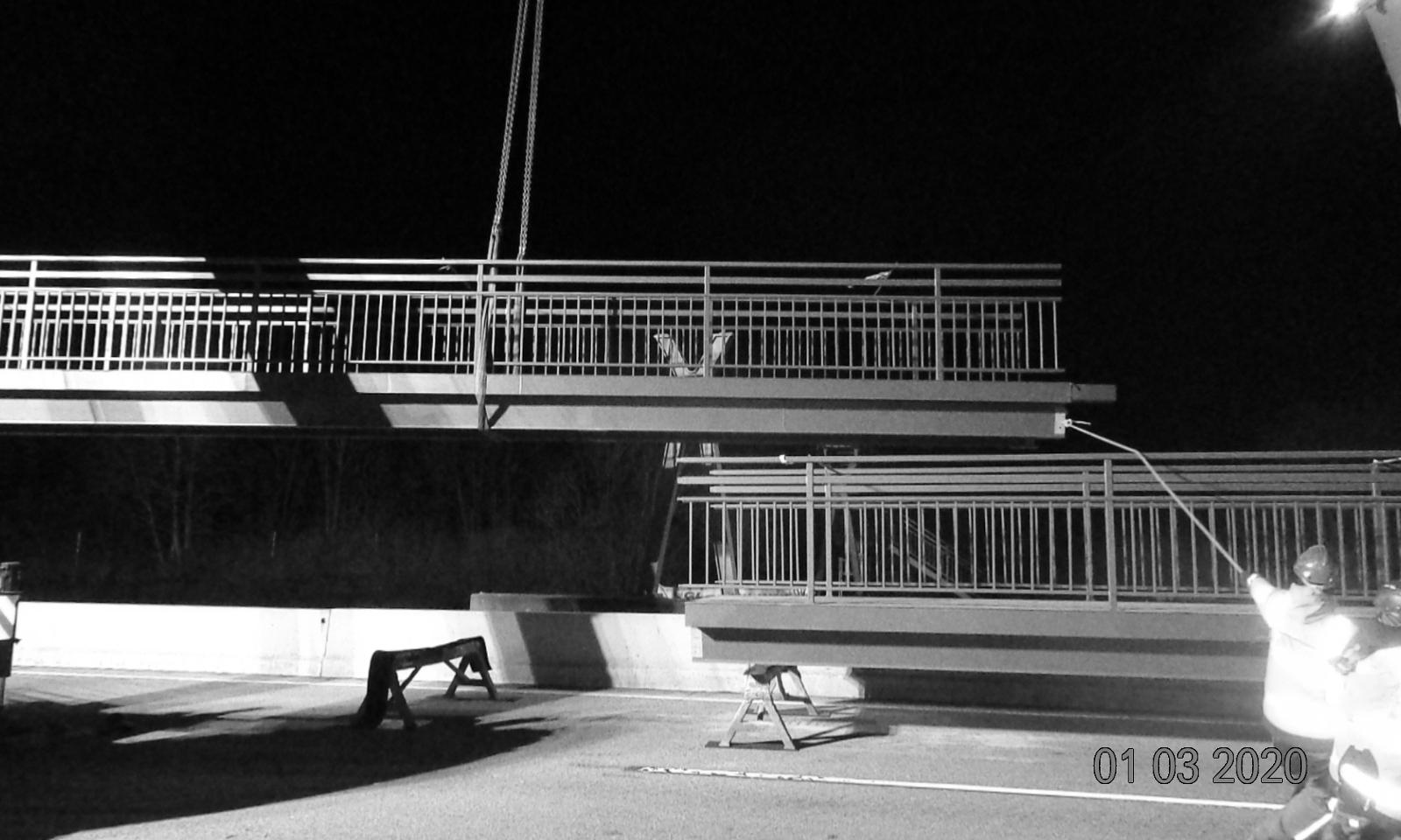 Montage - A 5 Instandsetzung ÜF Gehwegbrücke bei Ockstadt und ÜF Gehwegbrücke bei Ober-Rosbach