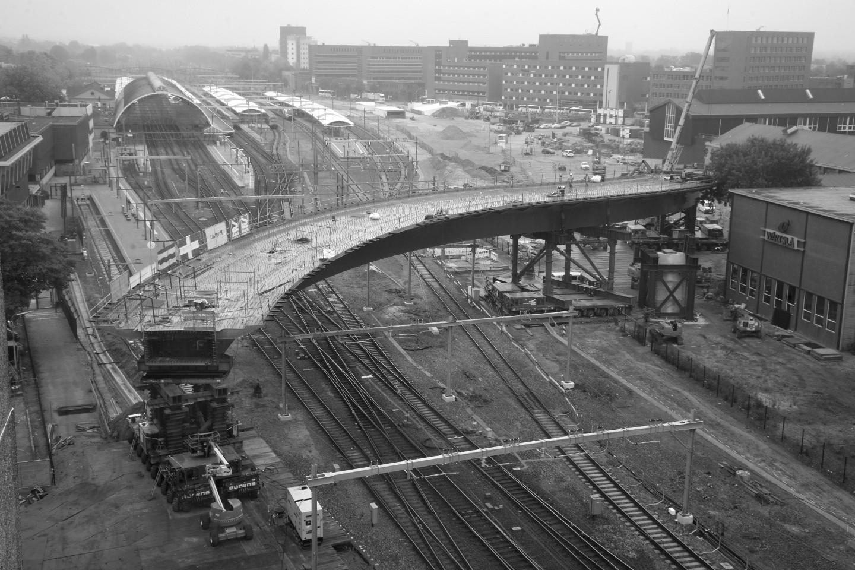 Neubau einer Straßenbrücke über den Bahnhof in Zwolle (NL) - Einfahren Phase 2