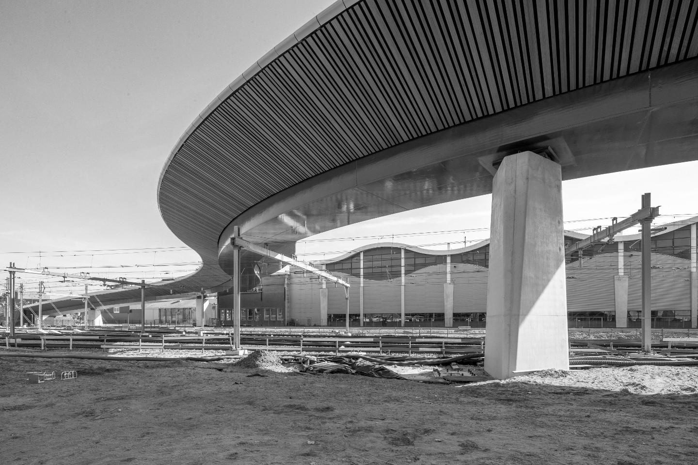 Neubau einer Straßenbrücke über den Bahnhof in Zwolle (NL) - Untersicht gesamt